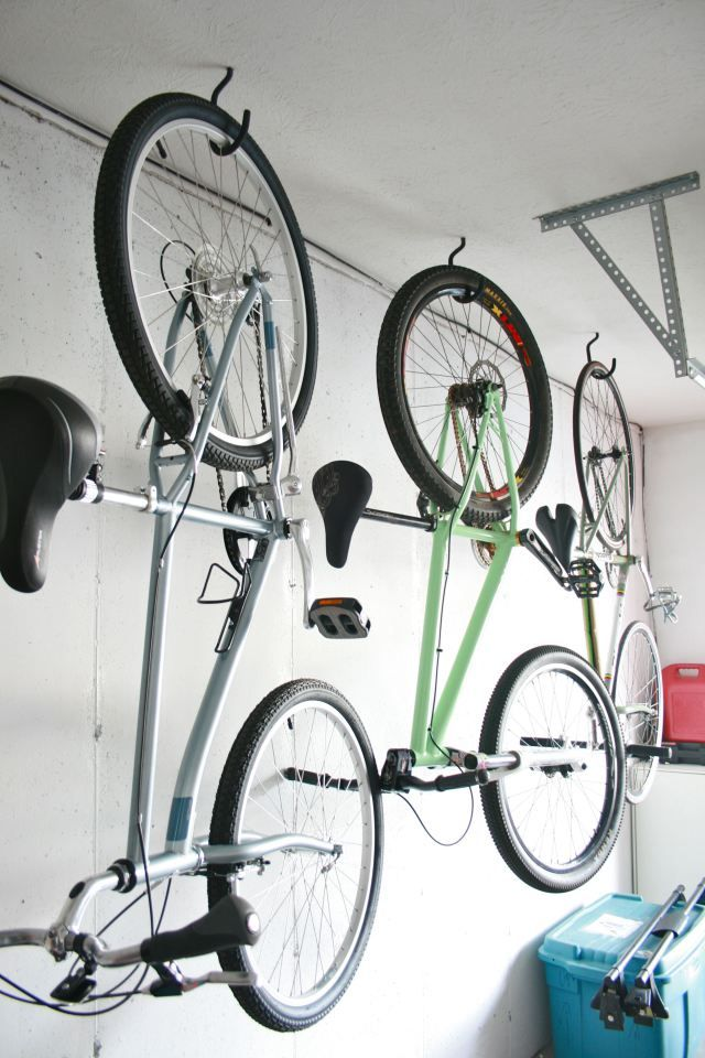 How to hang bikes in the garage | via Dream Green DIY