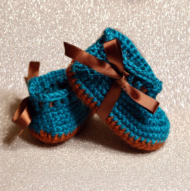 """lindo! Ravelry: Baby Booties """"My Angel Baby Booties"""" pattern by Elizabeth Alan"""
