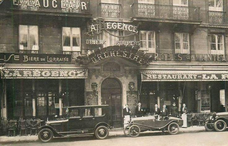Les cafés et restaurants du Paris d'antan - Le beau restaurant La Régence et les belles voitures qui vont avec... (carte postale, vers 1910)