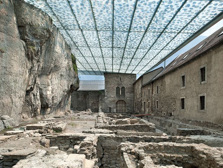 Coverage of archaeological ruins of the Abbey of St-Maurice