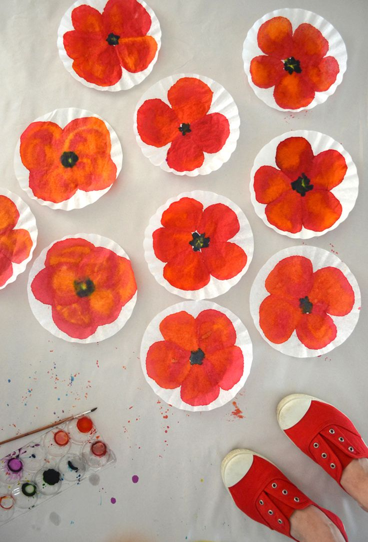 make poppies with watercolors + coffee filters