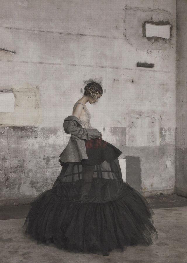 Couture Grunge Model: Lee Hye Jung & Sera Park Photographed by Koo Bon Chang O