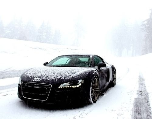 audi r8 every sexy in snow!!!