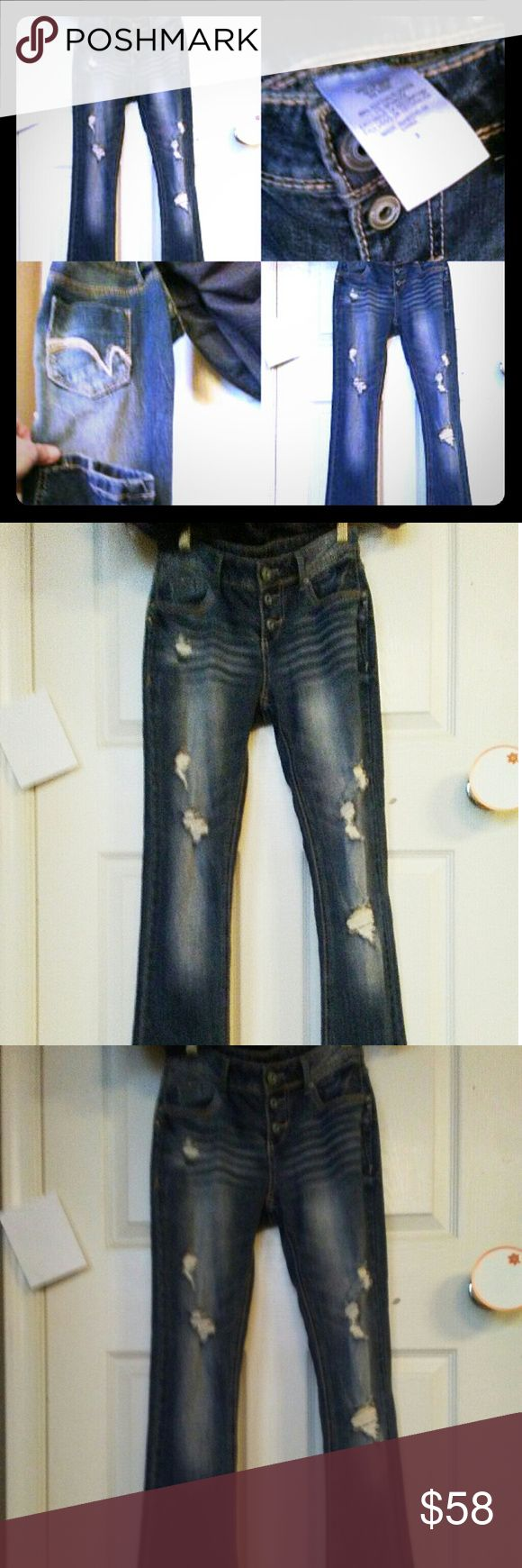 """Women's Distressed Jeans size 3 Women's So CuTe Distressed Jeans Size 3. I got them shopping California """"Boutique"""" on Melrose. Never worn thought they would fit sadly they are a small 3!! My loss your gain completely! Boutique Jeans Boot Cut"""