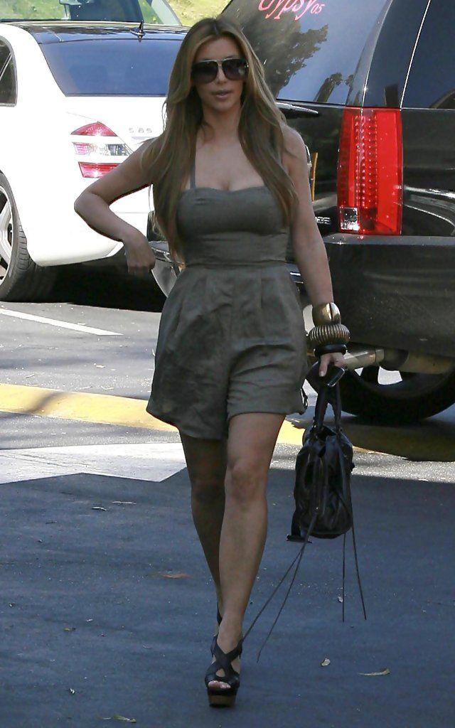 Kim Kardashian - Kim Kardashian And Brittny Gastineau Leaving Fred Segal