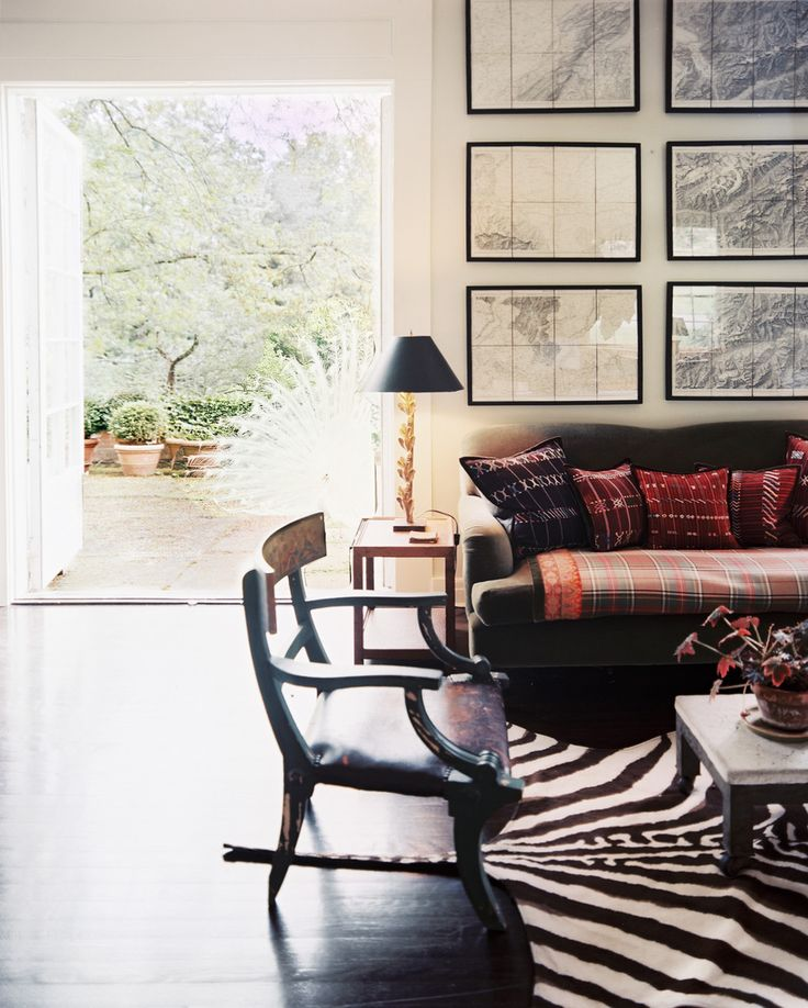French Bohemian Eclectic Traditional Vintage Living Room: A Seating  Arrangement With A Zebra Print Part 31