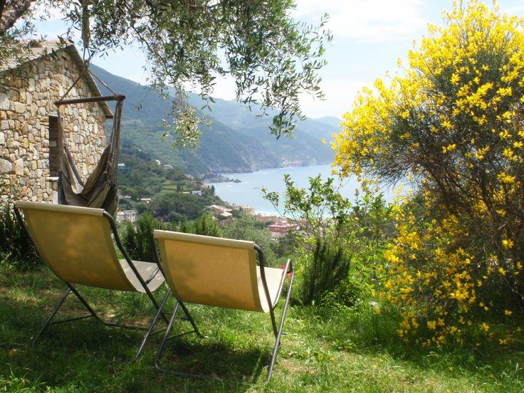 Erfahren Sie Näheres über den Bauernhof L'Uliveto nel Parco. Er befindet sich in Meer in Monterosso al Mare -  (La Spezia), bietet Halbpension, Übernachtung mit Frühstück in Zimmer - Monterosso al Mare - .