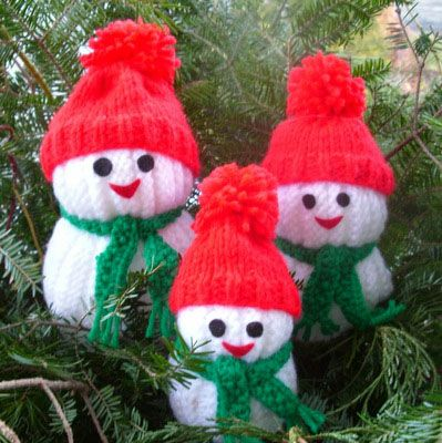 These jolly Snowmen with cute hat and scarf and little nose are the perfect cuddly make for the festive season.Snowman Knitting Patterns That Won't Melt, i