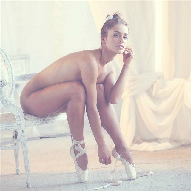 naked black female ballerina