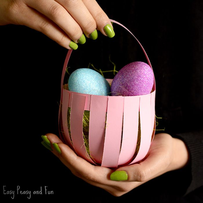 Why not make you very own DIY Easter paper basket craft! This simple paper craft is perfect for kindergarten classroom, where each kid can make their very own basket. *this post contains affiliate links* Thinking of setting up an Easter egg hunt with plastic Easter eggs? Why not have the kids make their own baskets …
