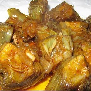 Alcachofas Estofadas es una receta muy fácil de preparar como guarnición para acompañar con pescados o carnes. Preparación de l