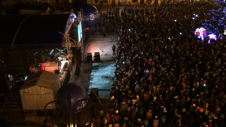 https://flic.kr/p/GLwp1E | Starey Rynek | Big charity event in-front of my apartment on the square and it was fantastic, eight hours of live music at my door step.