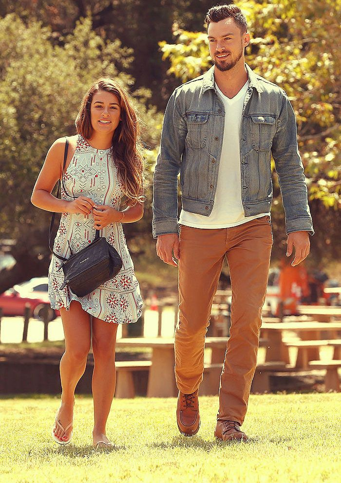 dating same height This is one of the reasons why height has become such an issue when it comes to dating women will always want a tall guy just to avoid getting stared by people 05-13-2017, 10:41 am #23.