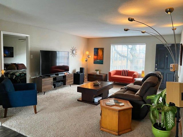 How S Reddit Like My Bachelor Pad Malelivingspace In 2020 Bachelor Pad Living Spaces Interior