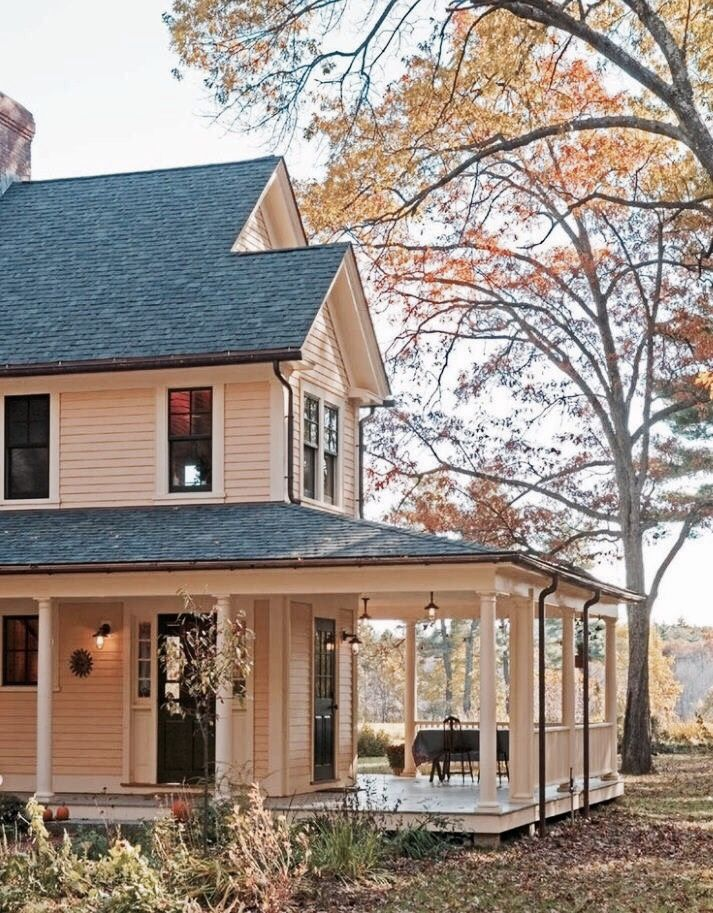 Why Country Homes Look Best in Autumn