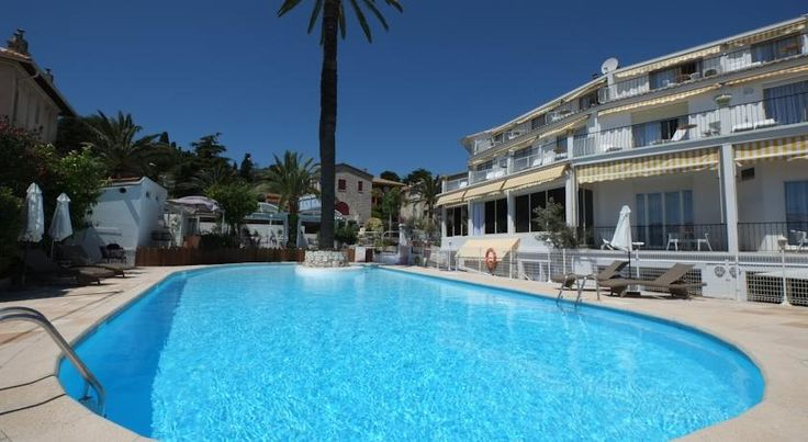 Hotel & Spa la Villa Cap Ferrat Saint-Jean-Cap-Ferrat Located on Saint-Jean-Cap-Ferrat peninsula, Hotel & Spa la Villa Cap Ferrat is a 5-minute walk from the sea and the harbour. Located 12 km from Monaco, the hotel offers an outdoor swimming pool and spectacular views of the sea.