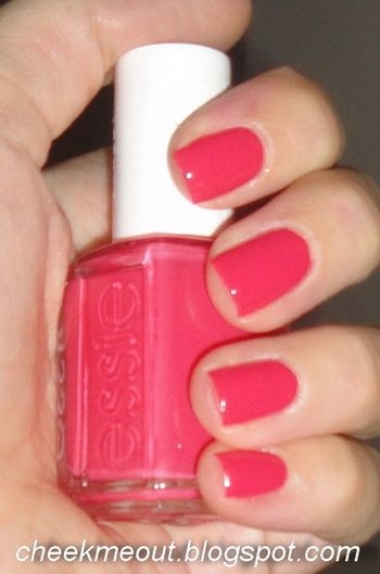 "Essie ""Peach Daiquiri"" NEED for summer"