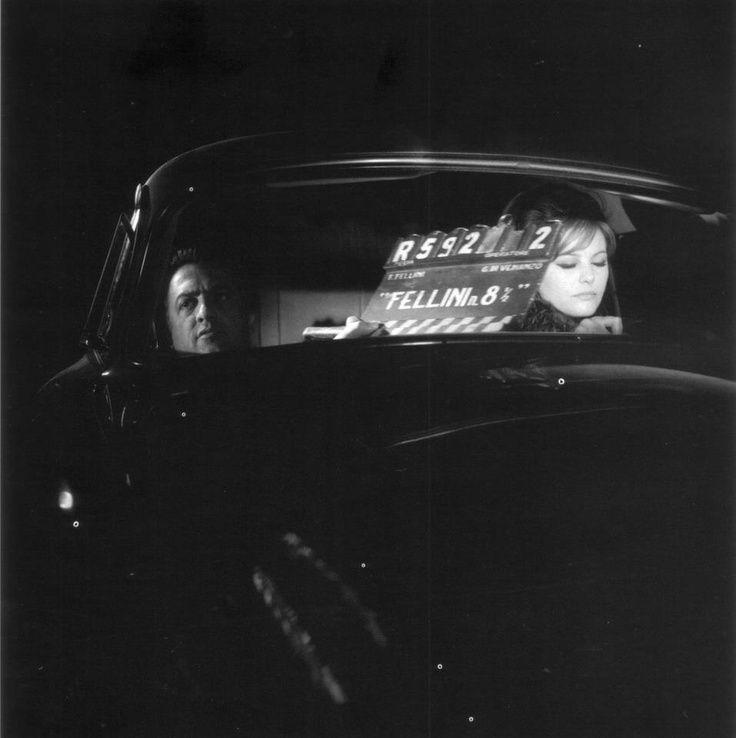 Federico Fellini e Claudia Cardinale sul set di 8 e 1/2