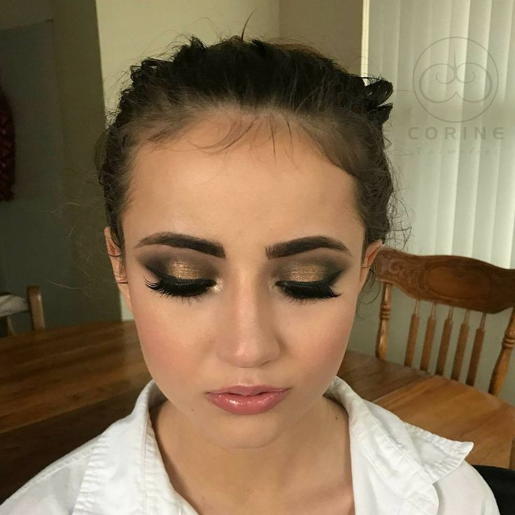I love this gorgeous bridal look I created in my bride this past weekend using my product line @corinecosmetics.  Products used are in previous video post.  #makeupartist #makeup #tampamakeupartist #tampa #Orlando #orlandomakeupartist #motd #instaselfie #corinecosmetics #slay #beautiful #pretty #film #glow #glamorous #miamimakeupartist #miami #perfection #glowing #potd #bride #bridal #beautiful #tbt #photoshoot #celebritymakeupartist #celebrity #thursday #famous #mua…