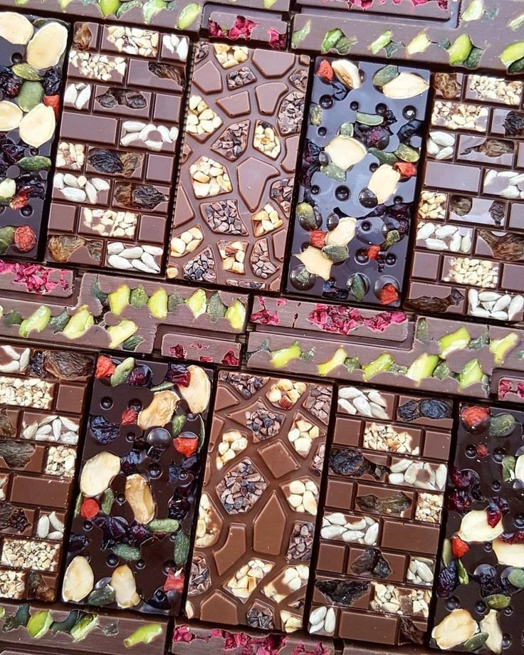 1,385 mentions J'aime, 25 commentaires – Martin DIEZ (@chefmartindiez) sur Instagram : « Happy Chocolate tablets Dark Milk chocolate with nuts and cereals #chocolate #tablet… »