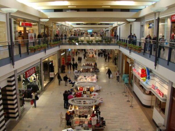 Hollister Staten Island Mall