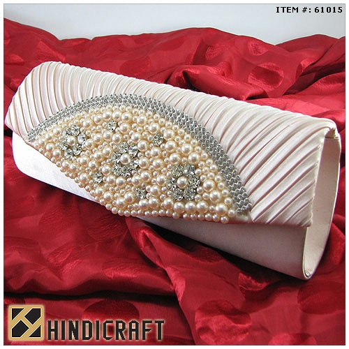 www.hindicraft.com . Hindicraft offer top quality Clutches and other gift items. We create a wide variety of eye-catching and fashionable HandBags from metal, Fabric and Leather .