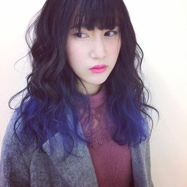 WEBSTA @ daiki.izawa - ブルー&ブラックは最高すぎる。いつもかわいいカラーさせてくれてありがとう。#BLANCO#ブランコ#美容師#カラーリスト#名古屋#名古屋駅#美容室#美容院#ヘアカラー#ヘアスタイル#カラー#髪色#撮影#被写体#モデル#サロンモデル#モデル募集#サロンモデル募集#被写体募集#カラーモデル#カラーモデル募集#マニパニ#ファッション#haircolorist #hairstylist #hairstyle #hair #followme