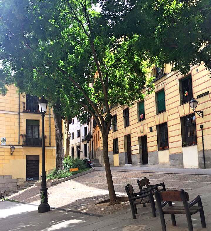 Sideways streets in Madrid