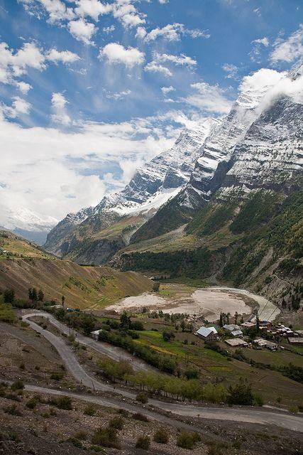 Manali-Leh road in Lahaul Valley, Himachal Pradesh, India (by henrikj)