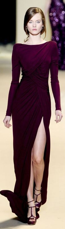 More beautiful Elie Saab - proving that his more under-stated & less sparkly pieces are just as stunning. jaglady                                                                                                                                                      More