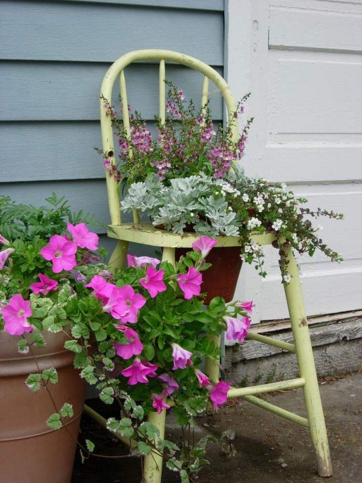d coration jardin en objets de r cup ration en 31 id es chaises antiques bricolage et maniques. Black Bedroom Furniture Sets. Home Design Ideas