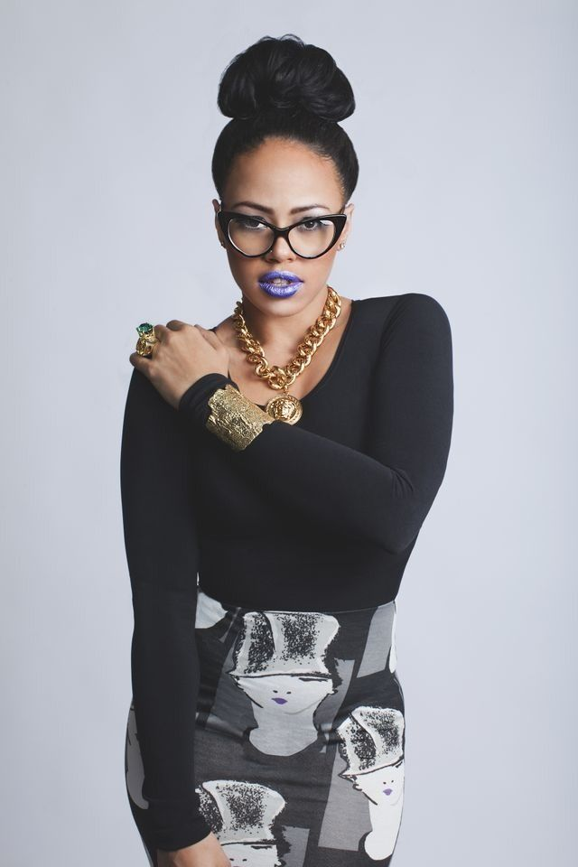 Elle Varner!  Love the glasses <3