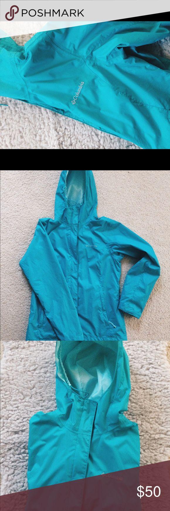 "Women's Columbia ArcadiaII Lightweight Rain Jacket Bright teal blue, light-weight Columbia Arcadia II rain jacket! Worn twice and in ""like new"" condition. Freshly laundered. Size small. Columbia Jackets & Coats"