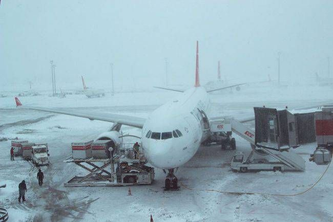 Harsh European winter claims over dozen lives, grounds airplanes in Turkey and Italy