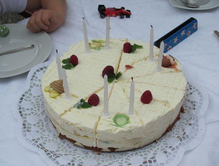 Tarta de nata para cumpleaños de niños