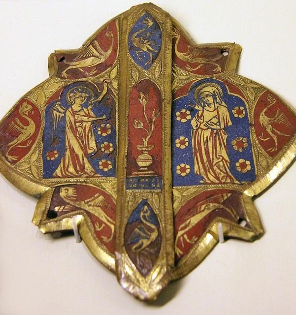 Mors (Cape clasp) - Annunciation, Paris, 14th c. (Musee National du Moyen Age, Cluny Museum, Paris)