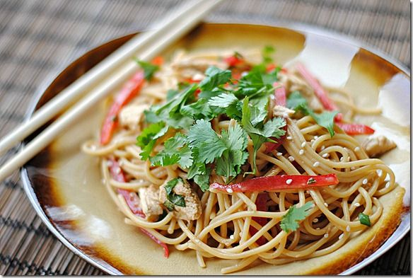 Eat Yourself Skinny!: Thai Peanut Noodles with ChickenChicken, Peanuts, Peanut Noodles, Thai Noodles, Food, Soba Noodles, Yummy, Peanut Butter, Thai Peanut