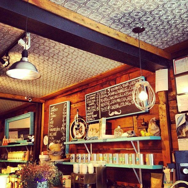 Café Névé     Photo : Nicolas Marier  http://instagr.am/p/JxvdImxjEU/
