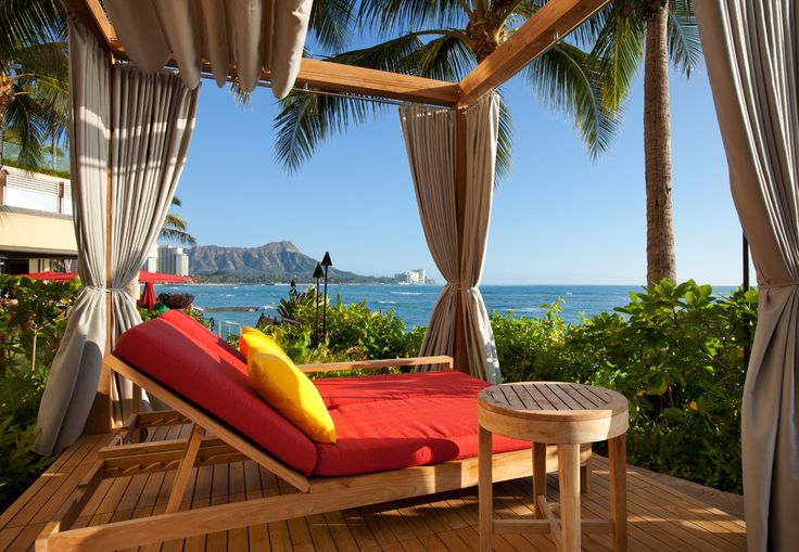 Sheraton Waikiki - Edge of Waikiki adults only Infinity Pool