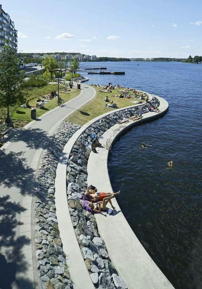 Waterfront promenade. Genuis idea, a lovely place to enjoy the summer sun!