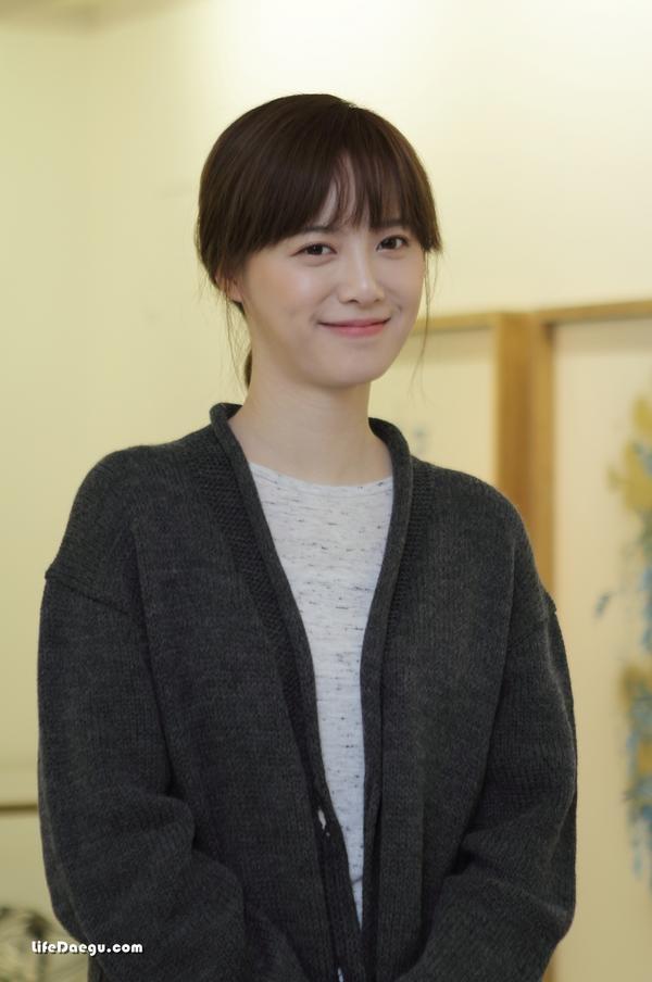 '화가'로 대구 찾은 구혜선    Ku Hye Sun's exhibition with her art works!  Amazing!!!      Video Interview : http://www.yeongnam.com/mnews/newsview.do?mode=newsView=20121029.990011442235043    cre: @LifeDaegu