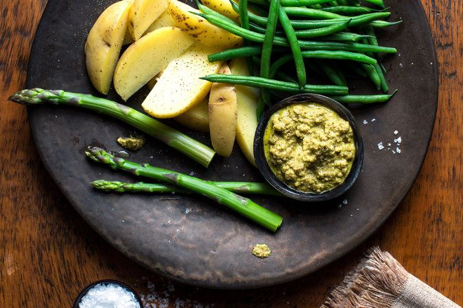 asparagus, green beans + potatoes with green molé sauce // the molé could be great as a sandwich spread...
