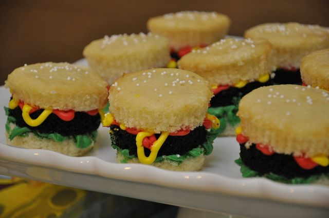 Krabby patty cupcakes- spongebob birthday