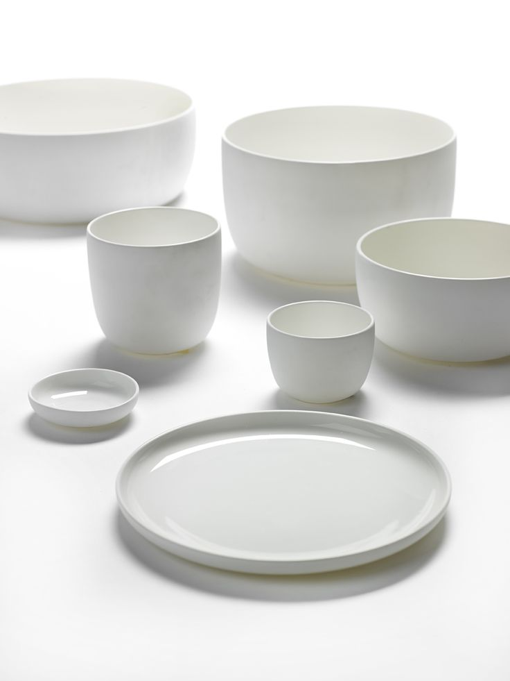 Piet Boon Styling by Karin Meyn | White tableware from Piet Boon for Serax. With the attention to details and commitment, they have created a lovely set.