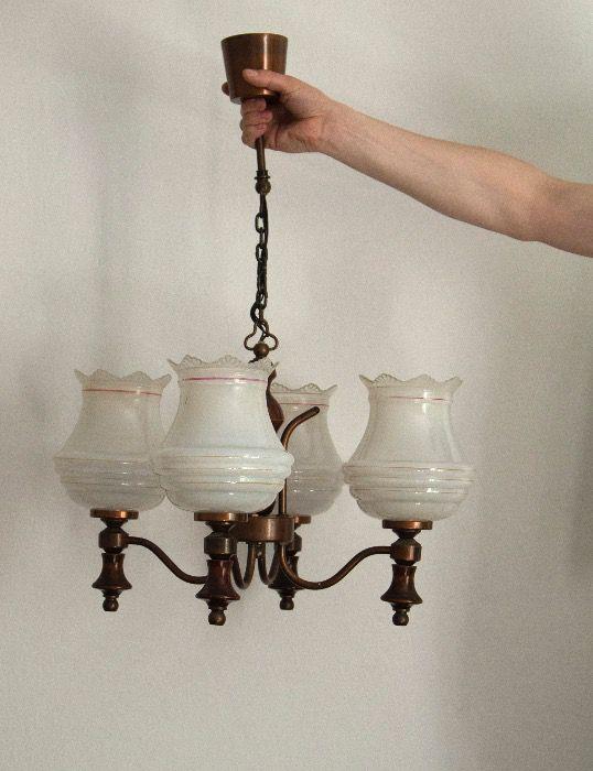 60 zł: Lampa sufitowa, w pełni sprawna. szerokość: 40 cm. Odbiór osobisty na Muranowie.