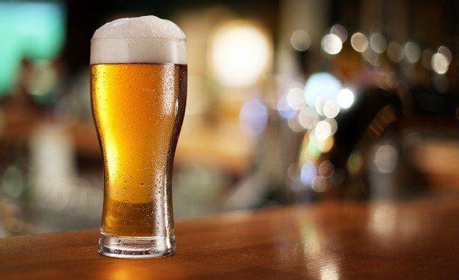 Studi scientifici affermano che bere una birra rende felici. Quando lo dicevo io, nessuno ci credeva.