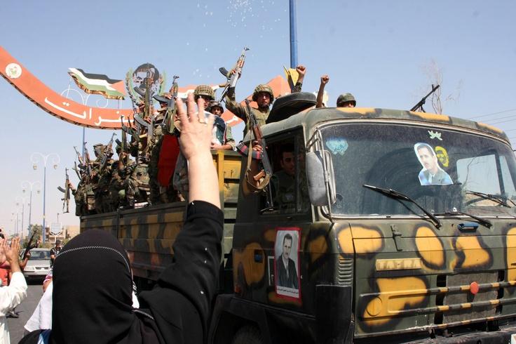 El régimen sirio cesa hoy sus operaciones militares ya que es la fecha en la que se vence el plazo dado por el enviado especial Kofi Annan para el cese de las hostilidades, según el Ministerio sirio de Defensa. Ver más en: http://www.elpopular.com.ec/50341-fin-a-operaciones-militares-hoy-vence-plazo-para-solucion-de-conflicto-sirio.html?preview=true
