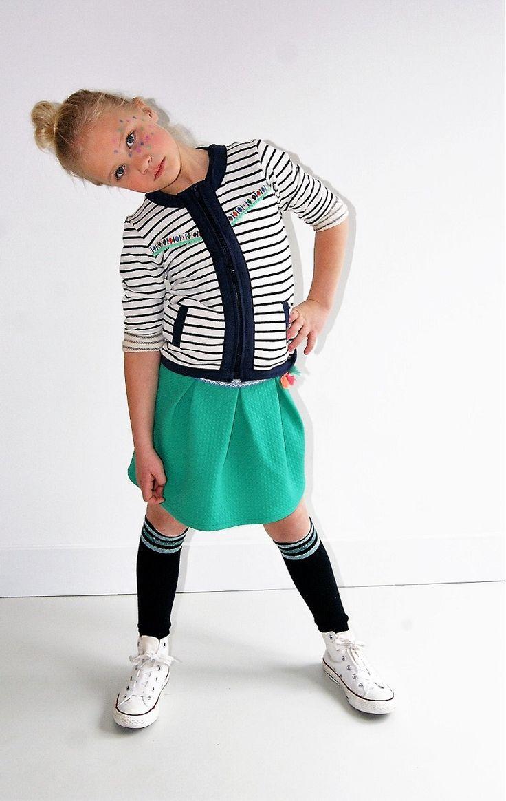 Mooie meisjes vestjes shop je online bij meisjeslabel TOPitm. Mooie basic stylen van hoogwaardige kwaliteit.