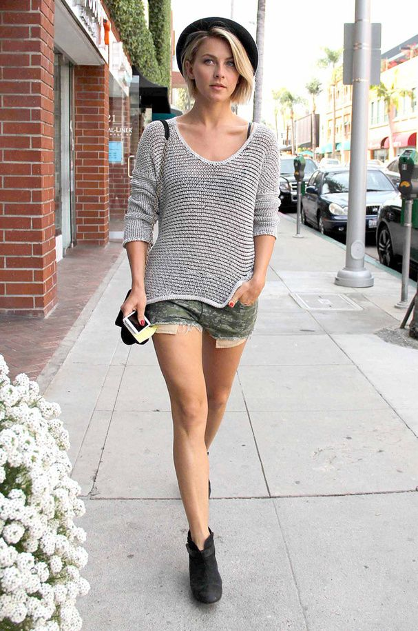 Le look militaire de Julianne Hough