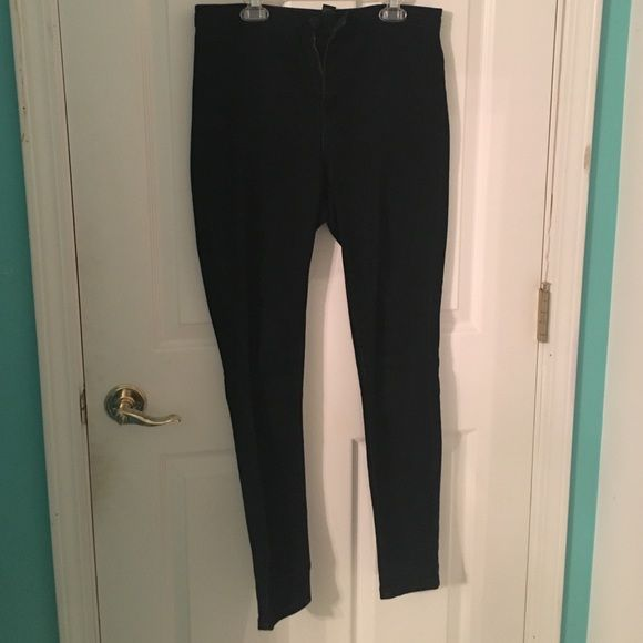 Forever 21 high waisted black jeans Comfortable, fashionable Forever 21 Pants Skinny
